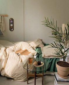 Room Ideas Bedroom, Bedroom Decor, Bedroom Inspo, Bedroom Signs, Decorating Bedrooms, Bedroom Apartment, Bed Room, Decorating Tips, Minimalist Room