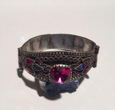 Antieke - Bracelet - Armband oude zilver/exotische collectible verklaring/vintage/gypsy stijl/Tribal/Ethnic antieke juwelen winkel door NajibJewellers op Etsy https://www.etsy.com/nl/listing/216992089/antieke-bracelet-armband-oude
