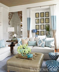 Colors of surf and sand dominate this beach home living room. - Photo: Jean Allsopp / Design: Georgia Carlee