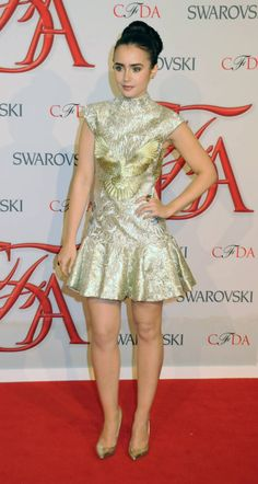 http://www.lily-collins.org/gallery/albums/Events/2012/2012%2006%2005%20CDA%20Red%20carpet/044.jpg