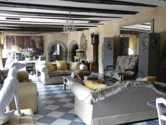 Mix of textures, rustic    My French Country Home, French Living - Sharon Santoni