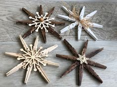 Simple Rustic Christmas Ornaments- DIY · Just That Perfect Piece - Weihnachten Rustic Christmas Ornaments, Beautiful Christmas Decorations, Handmade Christmas, Christmas Crafts, Diy Ornaments, Christmas Tree, Clothes Pin Ornaments, Holiday Crafts, Xmas Crafts To Sell