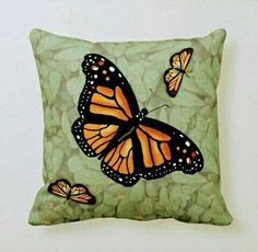 Butterfly Quilt Pattern, Butterfly Pillow, Butterfly Mask, Monarch Butterfly, Beautiful Patterns, Custom Pillows, Diy Painting, Quilt Patterns, Diy Crafts