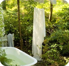 outdoor bath for my guests who love nature and privacy