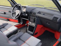 Fotos Peugeot 205 GTI UN INTERIOR EXPECTACULAR Peugeot 205 Gti, Volkswagen Golf Mk2, Fiat Uno, Car Interior Design, Suzuki Swift, Bmw, Dashboards, Old Cars, Volvo