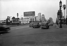 Facing southwest on Wilshire Boulevard from Citrus Avenue in 1950. (LAPL 00104336) Bizarre Los Angeles