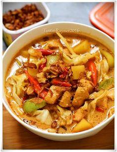 Tongseng Ayam Santan Lezatt Seafood Recipes, Chicken Recipes, Cooking Recipes, Indonesian Cuisine, Indonesian Recipes, Good Food, Yummy Food, Asian Recipes, Ethnic Recipes