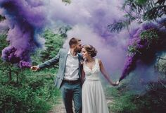 Smoke in the pictures Dym na zdjęciach Smoke in the pictures Pre Wedding Photoshoot, Wedding Poses, Wedding Shoot, Wedding Couples, Dream Wedding, Smoke Bomb Photography, Couple Photography Poses, Wedding Photography, Romantic Wedding Receptions