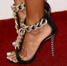 Chain T-shaped Peep Toe High Heel Womens Sandals - Look Fashion Black Dress Sandals, Wedge Sandals, Heeled Sandals, Shoe Boots, Shoes Heels, Fab Shoes, Lace Up Heels, Gold Heels, Sexy Heels