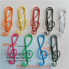 DCDEAL 12 Pcs Multi Color Music Note Shape Paper Clip Colorful Photo Card Clamp Memo Holder Office Stationery(G clef) Description: This paper clips are designed Wire Bookmarks, Creative Bookmarks, Creative Gifts, Paperclip Crafts, Wire Crafts, Paper Crafts, Paper Clips Diy, Stationery Paper, Office Stationery