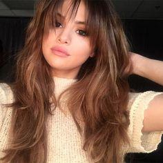 Selena Gomez - see-through bangs