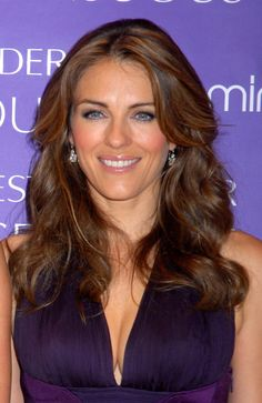 Elizabeth Hurley: Now She Too Can Answer 'Yes' to That Question Elizabeth Hurley Bikini, Elizabeth Jane, Jenifer Aniston, Elisabeth, Brooke Shields, Famous Girls, Classic Style Women, Beautiful Actresses, Celebrity Style