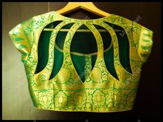 Floral cut out back neck designs for silk sarees – South India Fashion