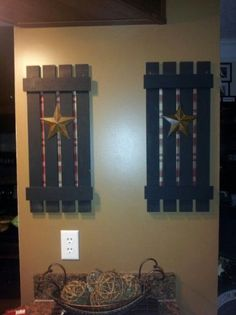 Primitive Photo Hanger - Country