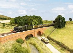 Pendon Museum, bringing the past to life - Abingdon, Oxfordshire N Scale Model Trains, Model Train Layouts, Scale Models, Diorama, Us Images, Latest Images, Old Buildings, Model Ships, The Past