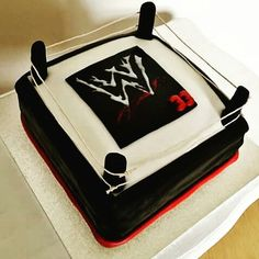 WWE cake www.chic-dreams.co.uk
