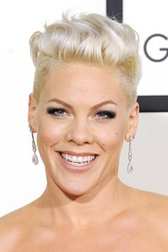 Nude lips were a hit! Subtle makeup contrasted with P!NK's peroxide undercut | 2014 Grammy Awards