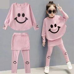 Kids Winter Fashion, Fashion Kids, Fashion Outfits, Family Outfits, Kids Outfits, Cool Kids Clothes, Winter Clothes For Kids, Girl Sleeves, Autumn Clothes
