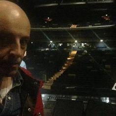 Milano Teatro Nazionale ore 18:13 con gli STADIO