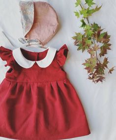 Our maple tree in our garden has not got fall colours as yet but I am happy to make clothing in fall colours and warm fabric(*˘︶˘*).。.:* . #redlinen #reddress #handmadegirls #handmadegirlsclothing #peterpancollar #girlsbonnet #autumnfashion #fallfashion #shopsmall #etsyau #dabishoo