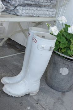 White Wellies & Geraniums in Galvanised Planter White Rain Boots, Hunter Boots Outfit, Hunter Wellies, Hunter Wellington Boots, Sweaters And Leggings, White Gardens, Shades Of White, Equestrian Style, Shoes