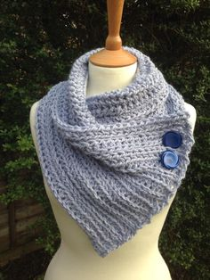 Snuggly Wrap Scarf - free crochet pattern for super chunky yarn from Re-made by Sam.