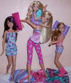 I love spending time with my sisters 💙 Barbie Paper Dolls, Barbie I, Barbie World, Barbie And Ken, Barbie And Her Sisters, Barbie Family, Fashion Royalty Dolls, Fashion Dolls, Pictures Of Barbie Dolls