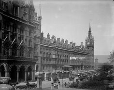 The Midland Grand Hotel at St Pancras Railway station in London designed by Victorian architect George Gilbert Scott. Vintage London, Old London, Gothic Architecture, Grand Hotel, Victorian Gothic, Britain, England, United States, History