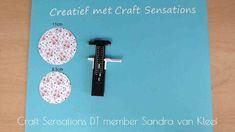 Sandra's kaarten & creaties: hoedje easel kaart met tutorial Easel Cards, Cardmaking, Scrabble Letters, Scrapbook, Washi, Crafts, Manualidades, Scrapbooking, Handmade Crafts