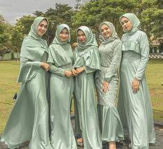 Hijab Evening Dress, Hijab Dress Party, Hijab Style Dress, Hijab Wedding Dresses, Modest Fashion Hijab, Dress Brokat Muslim, Kebaya Muslim, Simple Bridesmaid Dresses, Bridesmaid Outfit