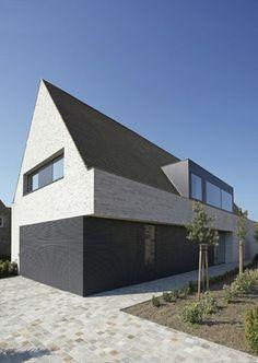 Reserviert**Mollwitz - Massivbau: Modernes Satteldachhaus in ...