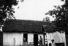 1930 - Casa de funcionários, construída em madeira.  In: Relatorio e Inventario da Comissão Avaliadora. s.n.t. Acervo: Arquivo Público Municipal.