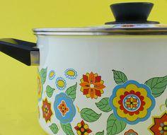 my love of kitsch kitchen ware...