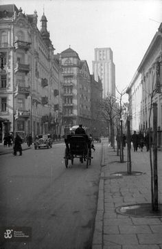Warsaw 1932; Szpitalna Street Warsaw City, Beautiful Buildings, Homeland, Old Photos, Street View, Black And White, Places, Pictures, Travel