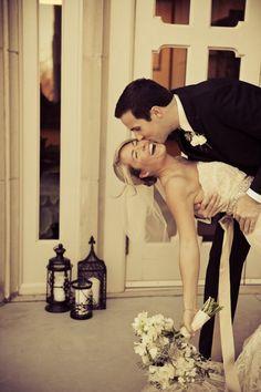 Adorable wedding photo pose
