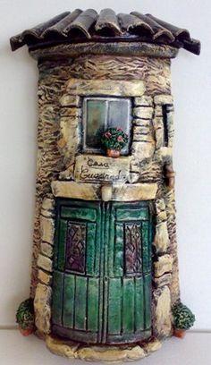 Resultado de imagen para tejas decoradas en relieve Clay Houses, Ceramic Houses, Miniature Houses, Clay Fairy House, Fairy Garden Houses, Dad Crafts, Hobbies And Crafts, Clay Wall Art, Clay Art