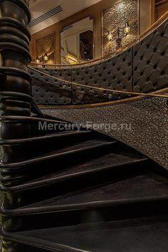 """Фото элитных лестниц и ограждений с латунным поручнем. - """"Mercury Forge""""  #stairs #decor #home #grandeforge  #mercuryforge #лестницы #ограждения #москва #дом #интерьер"""