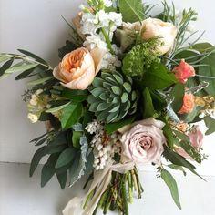 Jessica Zimmerman | zimmermanevents.com  #jessicazimmerman #zimmermanevents #bouquet #bridalbouquet #jzfloral #teamJZ #florist #floraldesign #weddingflowers