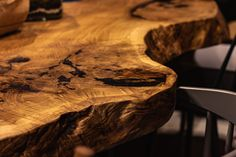 5 meters long oak monolith table. Conference Table is ideal solution for your office, restaurant, hotel and even at your home. It creates an opportunity for the whole team to gather in one place at the time. Its con-struction and size allows to gather spite of people in a comfortable way and to provide them enough free space to work. Live Edge Table, Free Space, Conference Table, Opportunity, Restaurant, Design, Twist Restaurant, Wood Table Rustic, Natural Wood Table