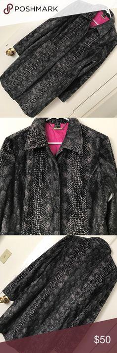 HP 2/27 *Guess* Make offers! Beautiful guess coat Make offers! Beautiful high fashion long printed guess coat. Inside is a beautiful hot pink color! Guess Jackets & Coats