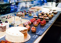 Cake Decorating Course Hackney : Harrods Food Hall - London, United Kingdom. Pastry and ...