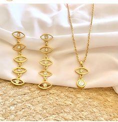 Nice Jewelry, Nice Ideas, Gold Necklace, Bracelets, Illustrations, Gold Pendant Necklace, Bracelet, Arm Bracelets, Bangle