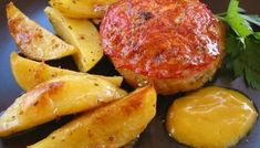 Μπιφτέκια φούρνου αφράτα, νόστιμα και ζουμερά! Greek Meze, Pepper Relish, Mince Meat, Greek Recipes, Diet Tips, Kai, Spicy, Food And Drink, Pork