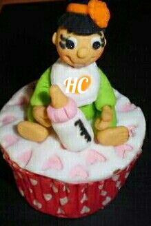 Cupcakes bebe niña fondant