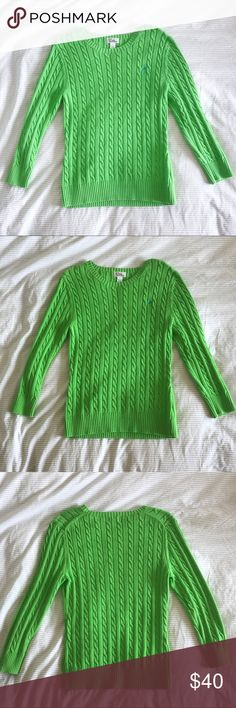 ✨Green Lilly Pulitzer Cable Knit Pullover Sweater✨ ✨Like new green sweater from Lilly Pulitzer!✨ •Laundry instructions still intact + easy to read• •Length: 23.5 inches; Sleeve length: 20.5 inches; Shoulder length: 15 inches• •100% cotton• •Size M• •No trades, thanks• •I can negotiate for reasonable offers• Lilly Pulitzer Sweaters Crew & Scoop Necks