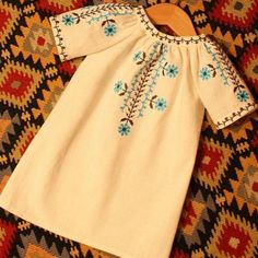 ROCHITA PE COVOR Baby Girl Shirts, Shirts For Girls, Dresses Kids Girl, Kids Outfits, Kids Kaftan, Embroidery Suits, Pakistani Dresses, Kids Wear, Hand Embroidery Videos