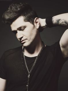 Danny O'Donoghue <3 and if he's not perfect enough... The Script!!!