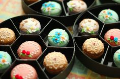 Assorted macarons decorated with icing (This is a blog by a Japanese mom, and even with Google Translate it was nearly impossible to understand. The pictures and ideas are wonderful though, worth a look.) @Donna Kellner