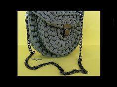 Crochet bag zpagetti diy New ideas Crochet Handbags, Crochet Purses, Crochet Yarn, Crochet Mandala Pattern, Crochet Patterns, Tshirt Garn, Yarn Bag, Macrame Bag, Purse Patterns