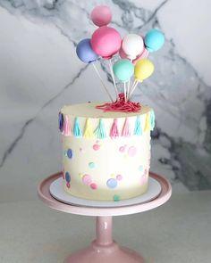 💗💜💙💚💛 Vanilla cake with vanilla buttercream 💕 . Pretty Cakes, Cute Cakes, Cake For Boyfriend, Cute Birthday Cakes, Balloon Cake, Birthday Cake Decorating, Occasion Cakes, Vanilla Cake, Vanilla Buttercream